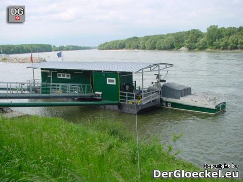 Österreichische Zollwache - die schwimmende Dienststelle im Jahr 2002